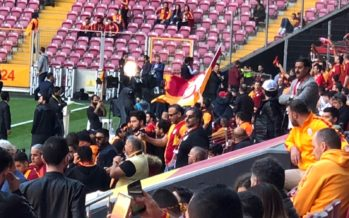 Bekende Arnhemmer gespot in Istanbul tijdens voetbalkraker