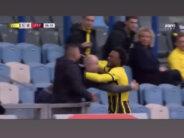 Emotioneel moment na doelpunt Openda tegen Feyenoord