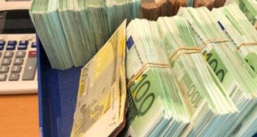 Man (70) opgepakt vanwege 800.000 euro contant geld