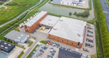 Bekend bedrijf huurt mega bedrijfscomplex van ca. 12.000 m²