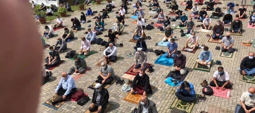 Eerste vrijdaggebed na corona bij Turkiyem moskee