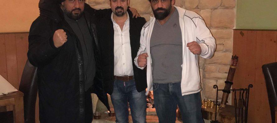 Turkish Lion Gurhan Degirmenci brengt bezoek aan restaurant Rijnmozaik