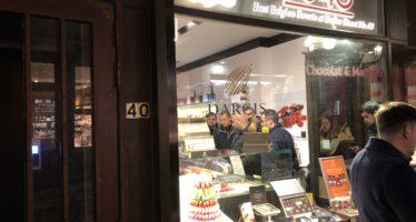 Kilo's met luxe Belgische bonbons gebracht naar Arnhem