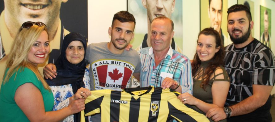 Mercan maakt Nederlandse Turken trots met contractverlenging bij Vitesse