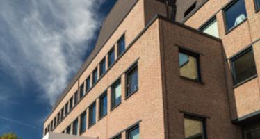 Wiarda gebouw van ca.5000 m2 aan Velperweg 27 in Arnhem 100% verhuurd