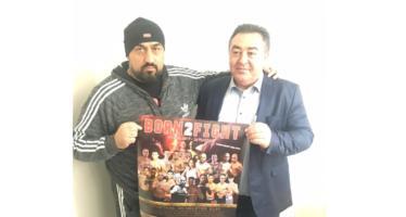 Mesut Cam neemt posters Born 2 Fight in ontvangst