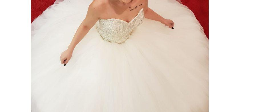 Istanbul bruidsmode presenteert nieuwste bruidsjurken