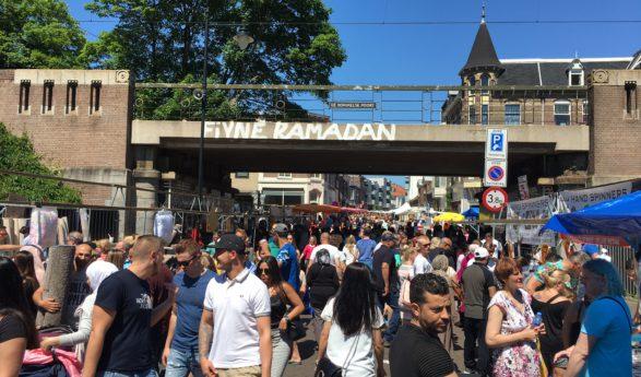 BEELDEN Veel bekenden tijdens extreem drukke jaarmarkt in Arnhem