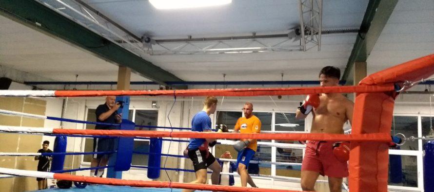 Olympisch bokser Mullenberg gespot in Arnhemse boksschool