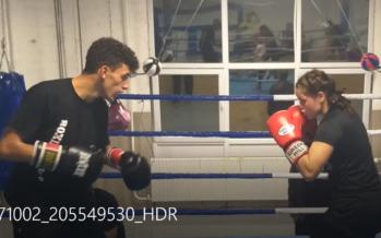 Spannende sparringsessie tussen Tadlaoui en profbokser Alicia Holzken