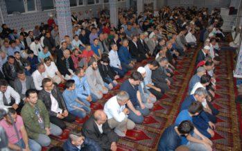 Duizenden Arnhemmers vieren Ramadanfeest na ochtendgebed