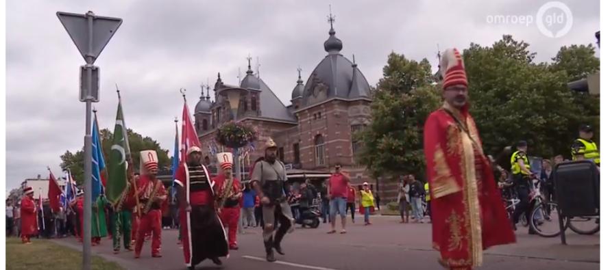 Ondanks alle haatcampagne genieten Arnhemmers tijdens Turkse Festival