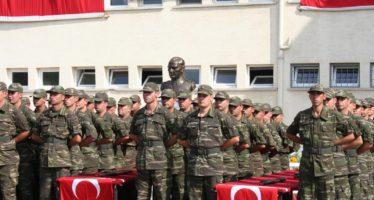 Gelderse jongeren massaal naar Turkse Consulaat voor afkoopregeling 'Askerlik' van 1000 euro