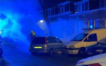 Vreemde autobrand in Klarendal gelukkig op tijd ontdekt