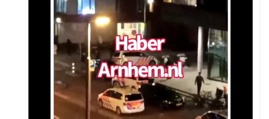 VIDEO Relschoppers in Arnhem gaan ook tekeer bij ingaan avondklok