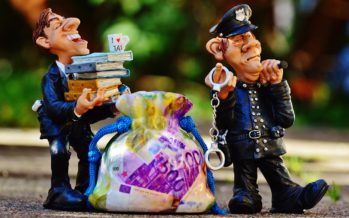 Telegraaf: Meerderheid corrupte agenten is vaker een autochtoon