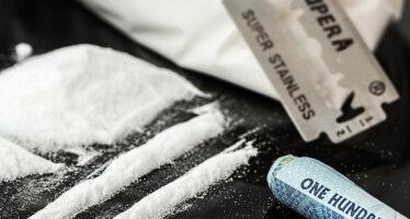 Arrestatieteam pakt drugscrimineel op na meldingen uit de wijk