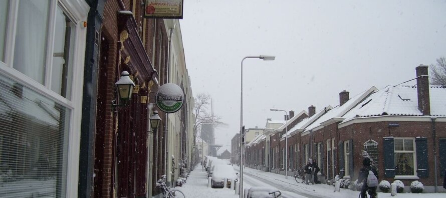Arnhem en omgeving helemaal vast na hevige sneeuwval