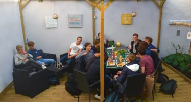 Dikke actie: Snackhouse Arnhem viert 1 jarig bestaan