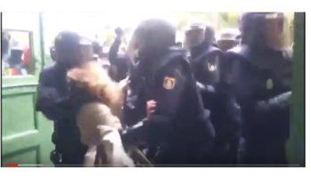 SP en CDA moeten direct kamervragen stellen vanwege politiegeweld in Barcelona