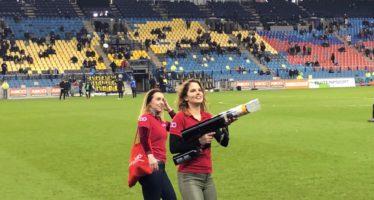Deze dames schieten er op los tijdens wedstrijd Vitesse