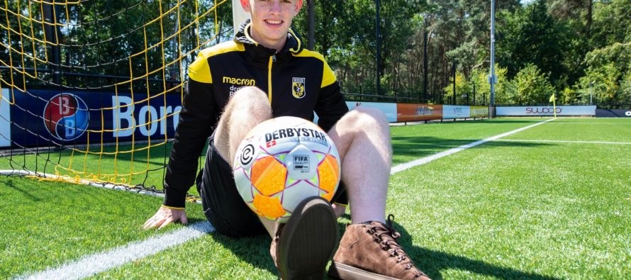Talent Thomas Buitink tekent vierjarig contract (VIDEO)