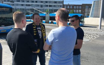 VIDEO Vitesse trainer Slutskiy met supporters op pad in Arnhem