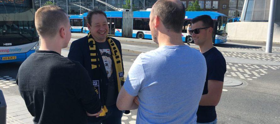 VIDEO Vitesse trainer Slutskiy met supporters op pad in Arnhem